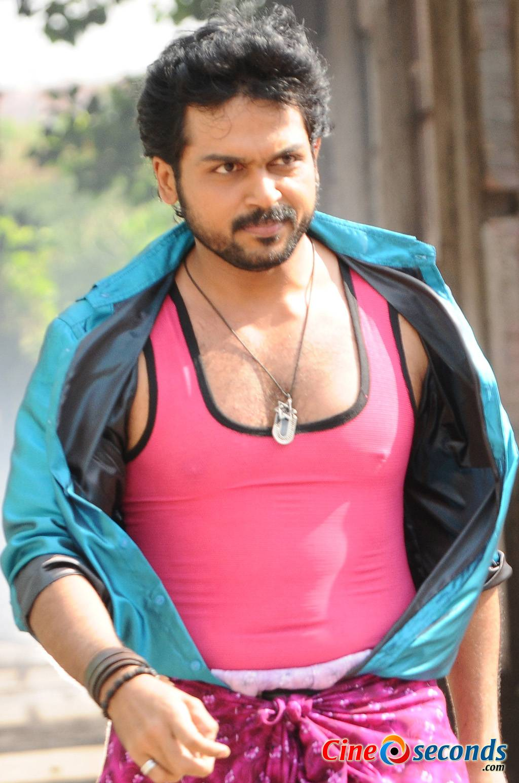 Karthi-in-Alex-Pandian-(5)_33020.jpg