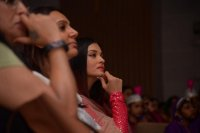 Aishwarya-Rai-Bachchan-Celebrate-Christmas-With-Cancer-Survivors-Childrens-Photos-(12)