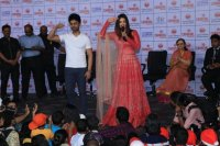 Aishwarya-Rai-Bachchan-Celebrate-Christmas-With-Cancer-Survivors-Childrens-Photos-(16)