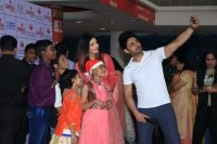 Aishwarya-Rai-Bachchan-Celebrate-Christmas-With-Cancer-Survivors-Childrens-Photos-(18)