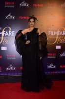 Filmfare-Glamour--Style-Awards-2019-Red-Carpet-(1)