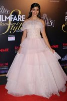 Filmfare-Glamour--Style-Awards-2019-Red-Carpet-(30)