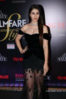 Filmfare-Glamour--Style-Awards-2019-Red-Carpet-(43)