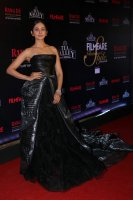 Filmfare-Glamour--Style-Awards-2019-Red-Carpet-(50)