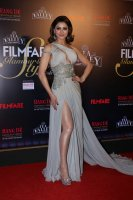 Filmfare-Glamour--Style-Awards-2019-Red-Carpet-(59)