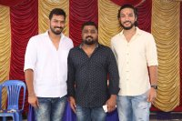 Iruttu-Arayil-Murattu-Kuthu-Movie-Launch-Stills-(14)