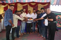 Iruttu-Arayil-Murattu-Kuthu-Movie-Launch-Stills-(7)