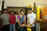 Mrs-Goa-Samiksha-launches-Silk-India-Expo-Stills-(12)