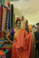 Mrs-Goa-Samiksha-launches-Silk-India-Expo-Stills-(2)