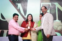 Raindrops-Women-Achievers-Award-2018-Pictures-(12)