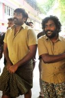 Vijay-Sethupathi-Arrives-In-Alappuzha-Images-(7)