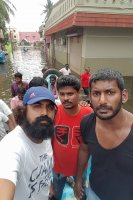 Vishal-Rescue-operation-at-Flood-affected-regions-in-chennai-(20)