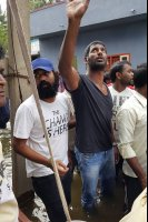Vishal-Rescue-operation-at-Flood-affected-regions-in-chennai-(21)