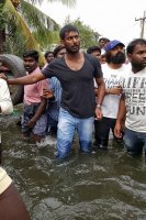 Vishal-Rescue-operation-at-Flood-affected-regions-in-chennai-(6)