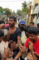Vishal-Rescue-operation-at-Flood-affected-regions-in-chennai-(7)