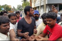 Vishal-Rescue-operation-at-Flood-affected-regions-in-chennai-(8)
