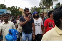 Vishal-Rescue-operation-at-Flood-affected-regions-in-chennai-(9)