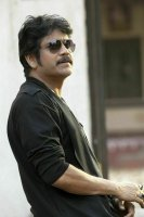 King-Nagarjuna-in-Raju-Gari-Gadi-2-Stills-(4)