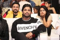 Allu-Arjun-at-Taxiwala-Pre-Release-Event-Photos-(10)