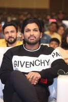 Allu-Arjun-at-Taxiwala-Pre-Release-Event-Photos-(15)