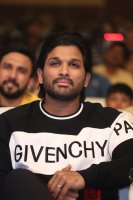 Allu-Arjun-at-Taxiwala-Pre-Release-Event-Photos-(16)