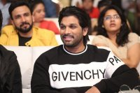 Allu-Arjun-at-Taxiwala-Pre-Release-Event-Photos-(7)