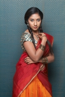 Asha-Tamil-Actress-Photoshoot-(11)-6465.jpg