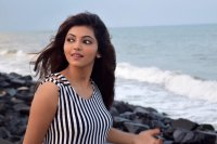Athulya-Ravi-New-Photoshoot-(5)