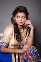 Athulya-Ravi-New-Photoshoot-(8)