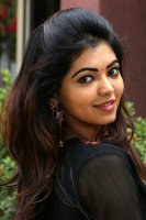 Athulya-Ravi-at-Nagesh-Thiraiyarangam-Press-Meet-Stills-(5)