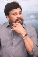 Chiranjeevi-Congratulates-Mahanati-Movie-Team-Pics-(3)