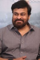 Chiranjeevi-Congratulates-Mahanati-Movie-Team-Pics-(4)