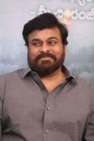 Chiranjeevi-Congratulates-Mahanati-Movie-Team-Pics-(5)