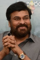 Chiranjeevi-Congratulates-Mahanati-Movie-Team-Pics-(6)