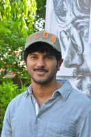 Dulquer-Salmaan-at-Solo-Movie-Press-Meet-Stills-(7)