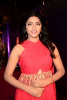 Eesha-Rebba-at-Zee-Telugu-Apsara-Awards-2018-Stills-(1)