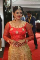 Iniya-at-Mirchi-Music-Awards-2017-Stills-(12)