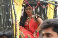 Pottu-Actress-Iniya-Images-(1)