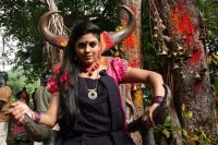 Pottu-Actress-Iniya-Images-(5)