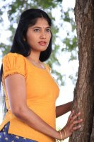 Julie-in-Amman-Thayee-Movie-Photos-(5)