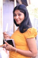 Julie-in-Amman-Thayee-Movie-Photos-(6)