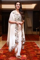 Keerthy-Suresh-at-Saamy-Square-Audio-Launch-Images-(4)
