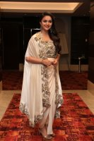 Keerthy-Suresh-at-Saamy-Square-Audio-Launch-Images-(5)