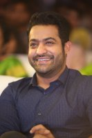 Jr-NTR-at-Ee-Maaya-Peremito-Audio-Launch-Stills-(13)