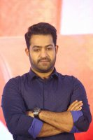 Jr-NTR-at-Ee-Maaya-Peremito-Audio-Launch-Stills-(5)