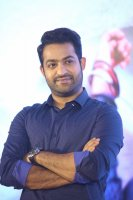Jr-NTR-at-Ee-Maaya-Peremito-Audio-Launch-Stills-(7)