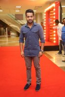Jr-NTR-at-Naa-Nuvve-Pre-Release-Event-Photos-(2)