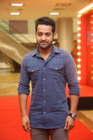 Jr-NTR-at-Naa-Nuvve-Pre-Release-Event-Photos-(4)