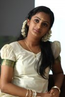 Namitha-Pramod-in-Traffic-(3)