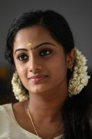 Namitha-Pramod-in-Traffic-(5)